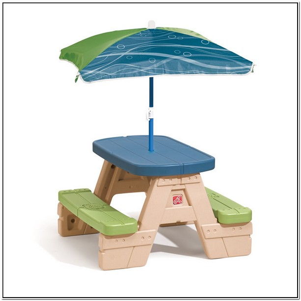 Step 2 Picnic Table